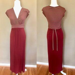 Gilli Small maxi dress v neck surplice red and tan